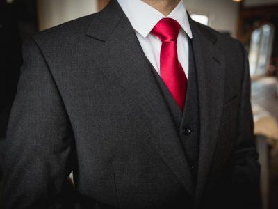 حکم بستن پاپیون و کراوات در مجالس چیست؟
