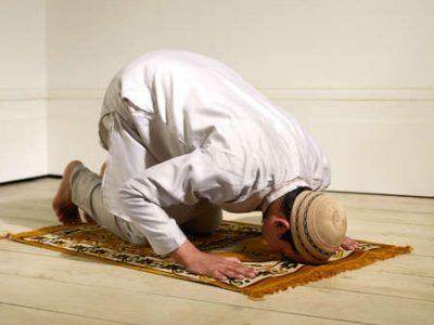 میتوان در دو رکعت اول نماز به جای یک سوره، دو سوره خواند؟