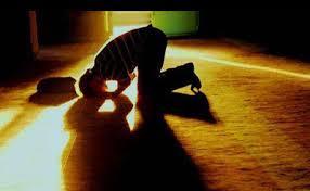آشنایی با فلسفه ی قیام در نماز چیست؟